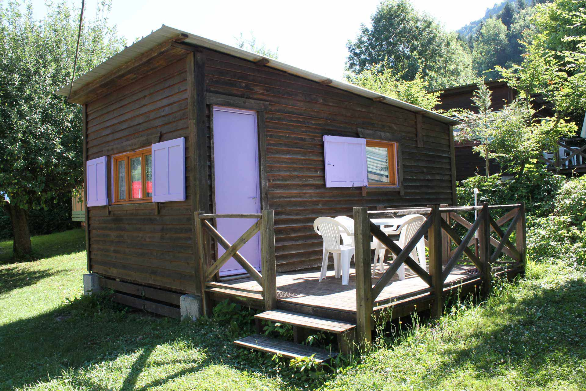 Chalet-21-ideal-camping