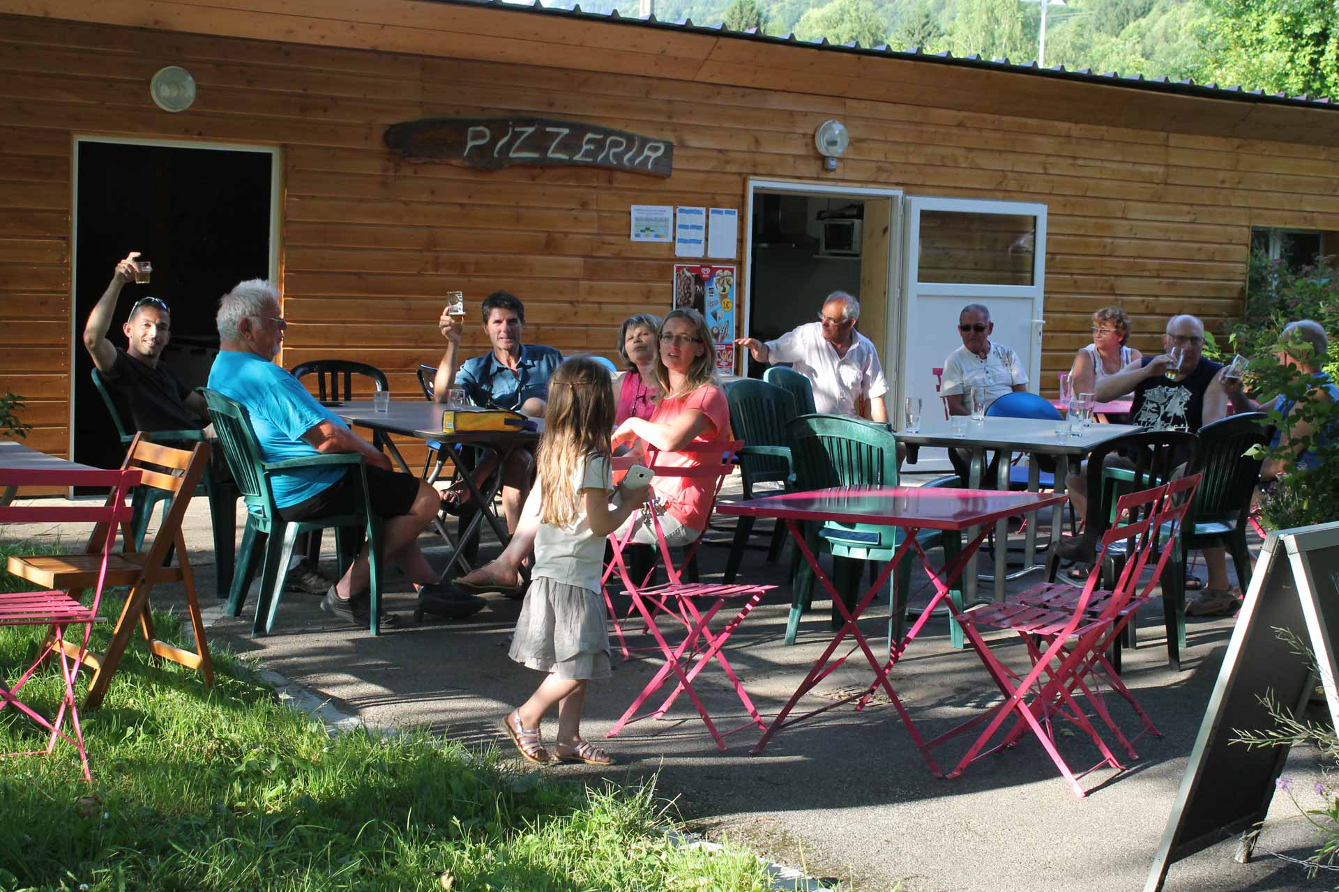 ideal-camping-allevard-belledonne-isere-restauration